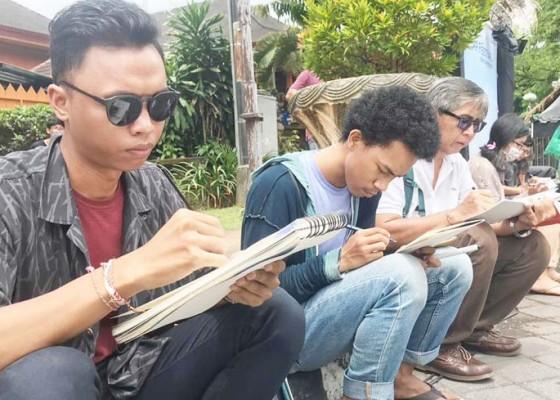 Nusabali.com - live-sketching-ramaikan-gelaran-denfest-2018