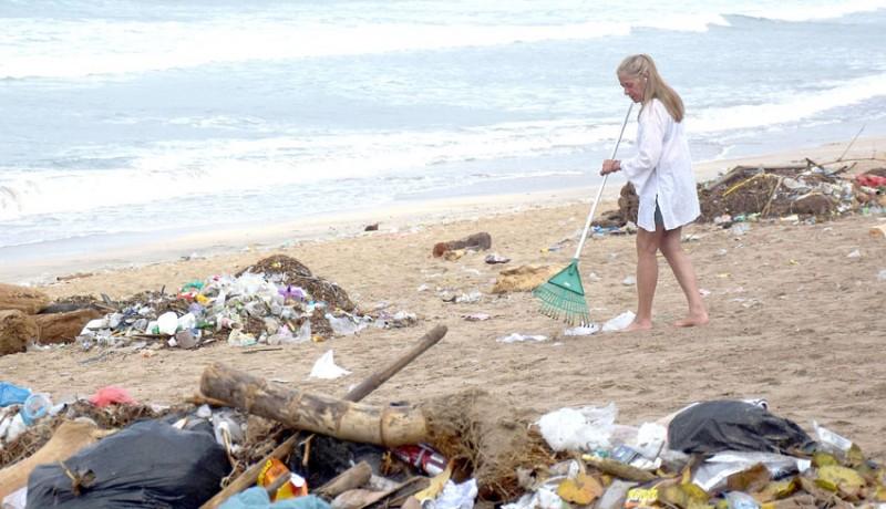 www.nusabali.com-dinas-lhk-badung-kerahkan-1000-personel-untuk-bersihkan-sampah