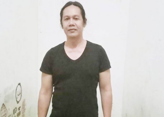 Nusabali.com - status-tersangka-bendesa-jungut-batu-gugur