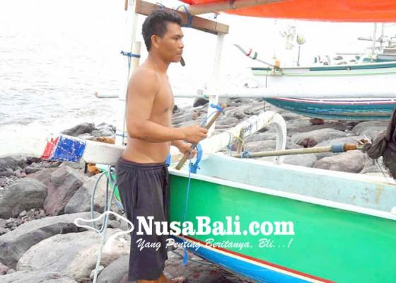 Nusabali.com - gelombang-tinggi-nelayan-nekat-melaut