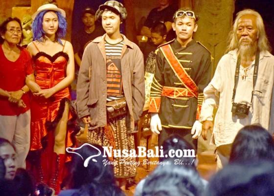 Nusabali.com - pertunjukan-teater-rumahan-yang-tidak-murahan