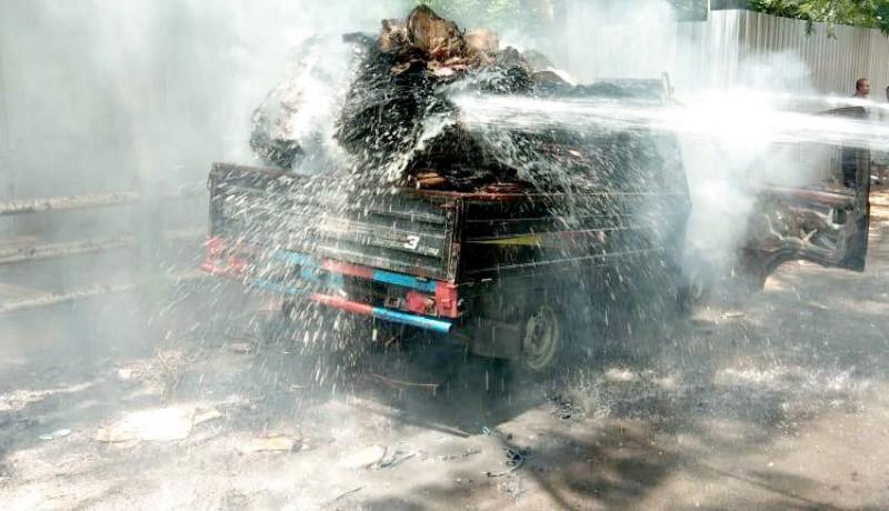 www.nusabali.com-korsleting-pick-up-hangus-terbakar