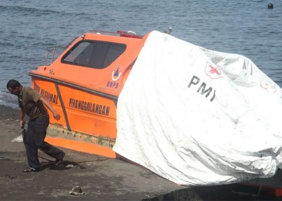 Nusabali.com - dihantam-gelombang-kapal-bpbd-tidak-bisa-dipakai