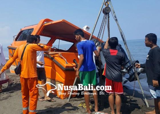 Nusabali.com - kapal-katamaran-bpbd-hancur-dihantam-gelombang
