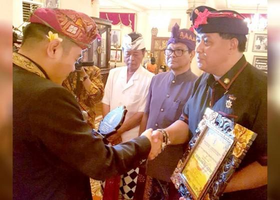 Nusabali.com - aktif-gerakkan-pemuda-ketua-ppi-bali-raih-penghargaan-hindu-muda-award