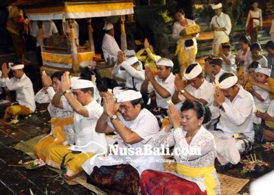 Nusabali.com - malam-siwaratri-terpusat-di-goa-lawah