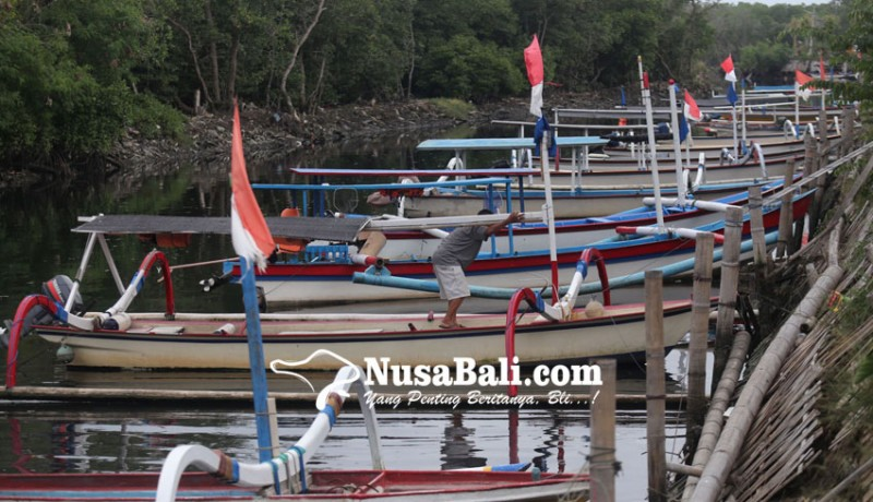 www.nusabali.com-nostalgia-jukung-menuju-pura-sakenan-nihil-penumpang
