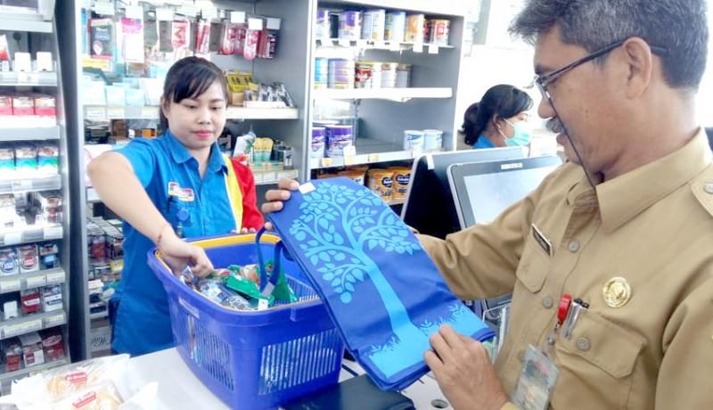 www.nusabali.com-toko-modern-di-tabanan-mulai-stop-gunakan-kantong-plastik
