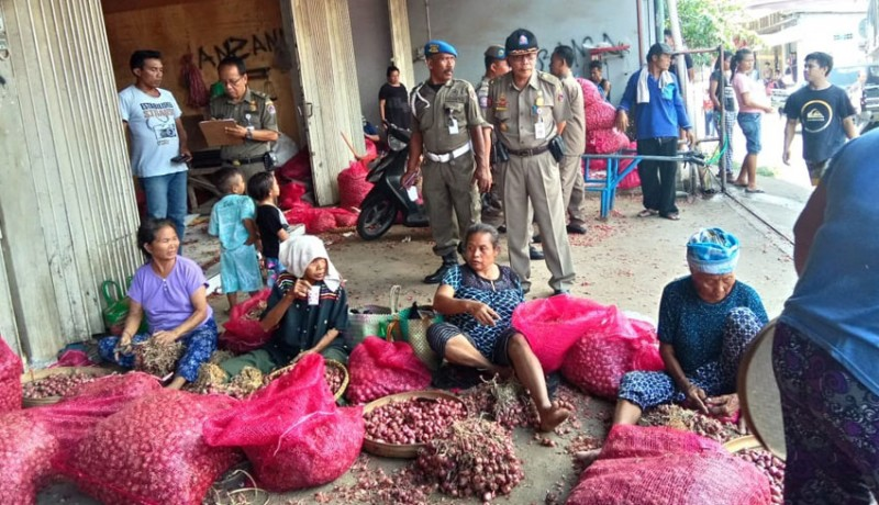 www.nusabali.com-14-pedagang-pasar-galiran-dijaring