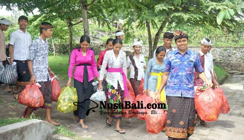 www.nusabali.com-siswa-smasmk-mapunia-canang-dan-kwangen