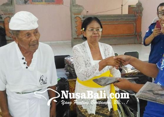 Nusabali.com - empat-lansia-panti-jompo-dijemput-keluarganya