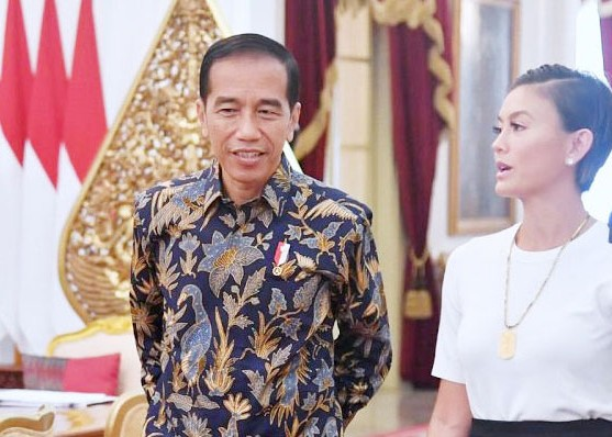 Nusabali.com - temui-jokowi-agnez-mo-bicara-mimpinya