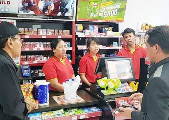 Nusabali.com - sidak-bupati-suwirta-tutup-minimarket