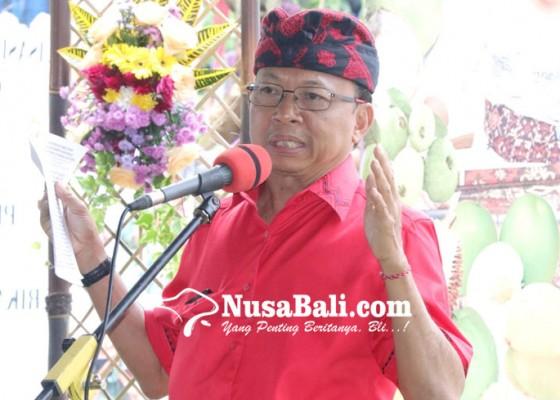 Nusabali.com - koster-briefing-anggota-fraksi-pdip-dprd-bali