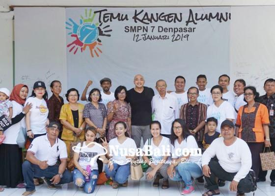 Nusabali.com - ratusan-alumni-smpn-7-denpasar-reuni-di-sekolah