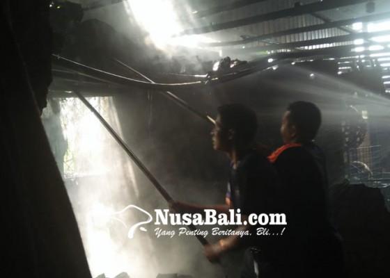 Nusabali.com - ditinggal-kirim-pesanan-usaha-babi-guling-terbakar