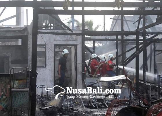 Nusabali.com - empat-tempat-usaha-terbakar-kerugian-diperkirakan-rp-15-m