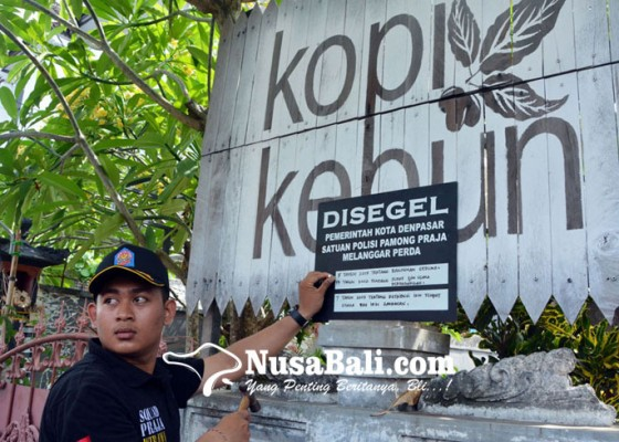 Nusabali.com - satpol-pp-denpasar-segel-warung
