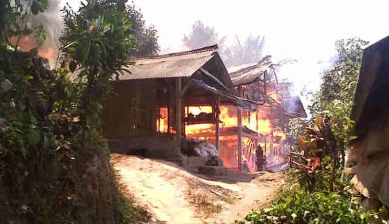 www.nusabali.com-kandang-ayam-terbakar-5000-pitik-terpanggang