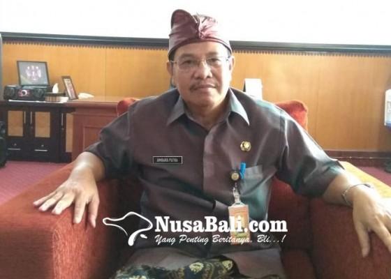 Nusabali.com - distan-larang-penjualan-buah-impor-saat-pasar-murah