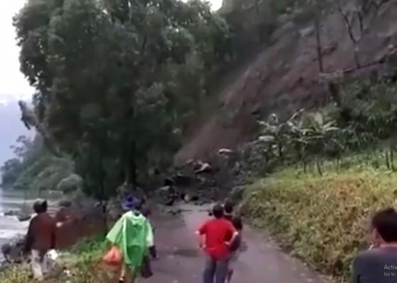 Nusabali.com - bukit-abang-longsor-dua-desa-terisolasi