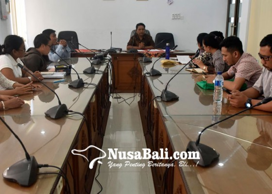 Nusabali.com - tuntutan-pesangon-eks-karyawan-hardys-belum-jelas