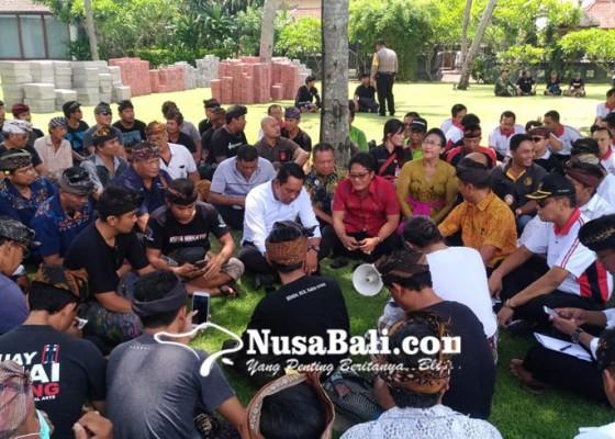 Nusabali.com - bupati-giri-prasta-turun-tangan