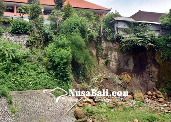 Nusabali.com - sdn-6-ubung-terancam-ambrol