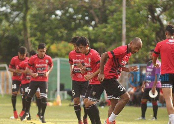 Nusabali.com - lawan-blitar-united-teco-antisipasi-pemain-cedera