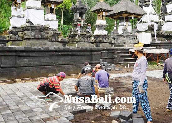 Nusabali.com - pemasangan-paving-di-pura-penataran-agung-nangka