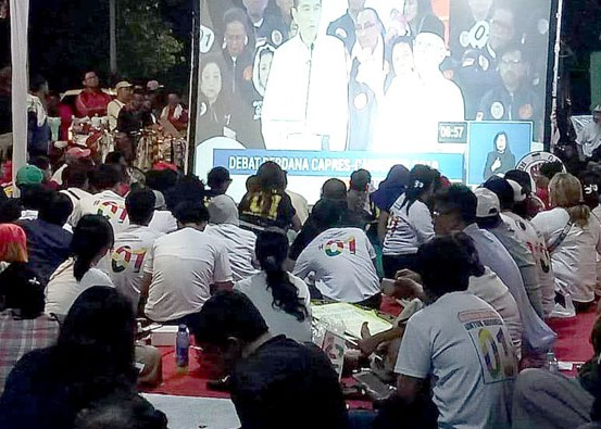 Nusabali.com - relawan-jangkar-jokowi-ramaikan-debat-capres