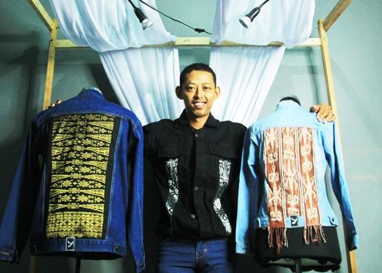 Nusabali.com - jaket-denim-tenun-songket