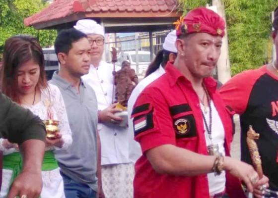 Nusabali.com - bebas-murni-ismaya-dkk-langsung-melukat