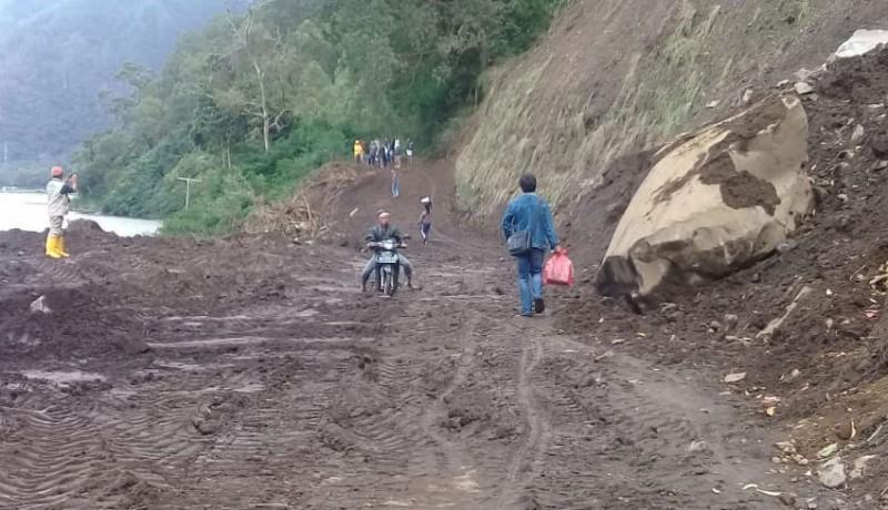www.nusabali.com-evakuasi-material-longsor-tebing-danau-batur-selesai