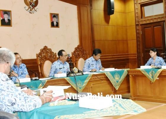 Nusabali.com - tahun-2018-disdukcapil-cairkan-2868-permohonan-santunan-kematian