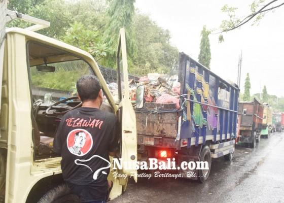 Nusabali.com - truk-masuk-tpa-kembali-mengekor