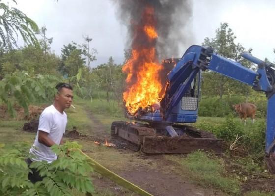 Nusabali.com - diperbaiki-ekskavator-terbakar