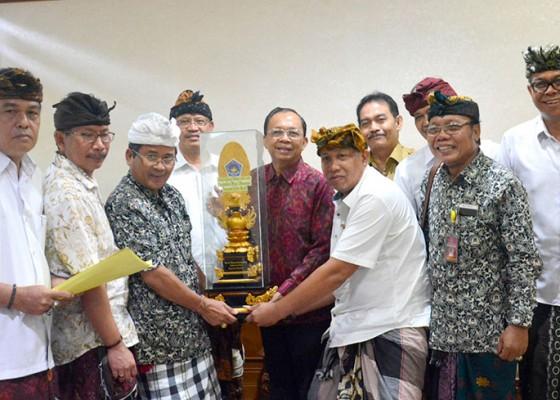 Nusabali.com - gubernur-terima-audiensi-bks-lpd-dan-lp-lpd