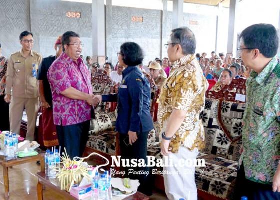 Nusabali.com - kesulitan-air-warga-pangkungparuk-teratasi