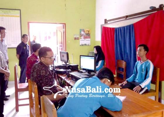 Nusabali.com - disdukcapil-gencarkan-perekaman-e-ktp-siswa-sma