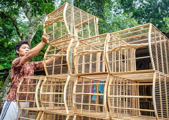 Nusabali.com - sentra-kerajinan-sangkar-burung-kadilangon