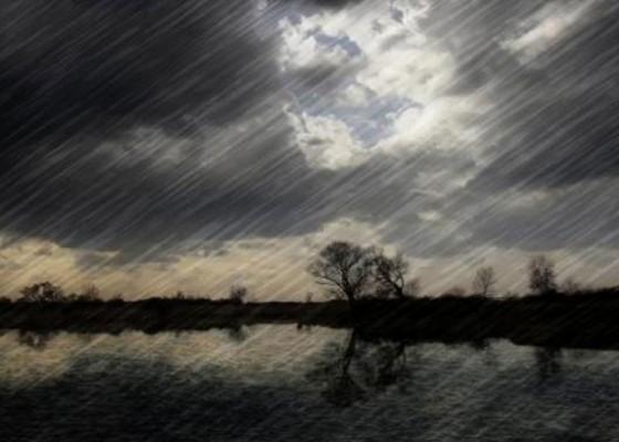 Nusabali.com - cuaca-buruk-dermaga-rakyat-padangbai-pun-ditutup-selama-3-hari