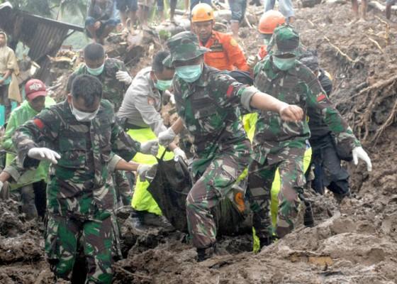 Nusabali.com - korban-tewas-banjir-sulsel-capai-30-orang
