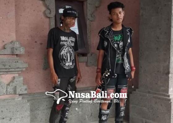 Nusabali.com - satpol-pp-jembrana-amankan-5-pemuda-telantar