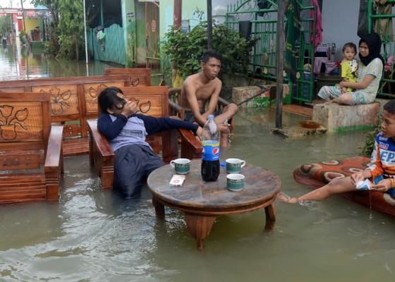 Nusabali.com - korban-banjir-sulawesi-selatan-59-orang