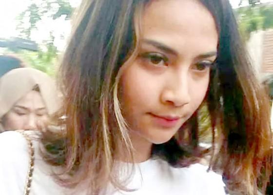 Nusabali.com - sakit-vanessa-angel-mangkir-lagi