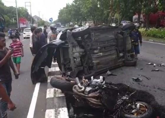 Nusabali.com - tabrak-mobil-pengendara-moge-tewas-mengenaskan