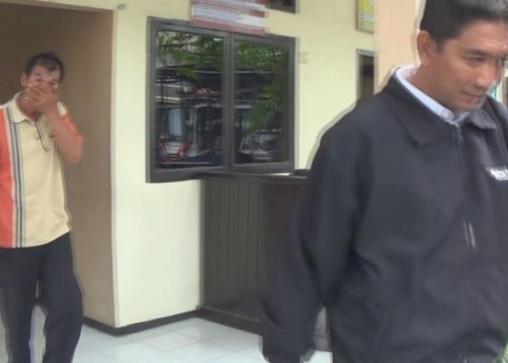 Nusabali.com - dua-oknum-satpol-pp-ditangkap-saber-pungli