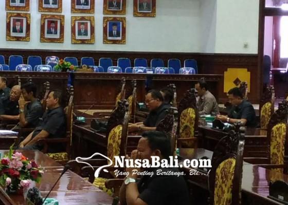 Nusabali.com - hadang-pembahasan-6-ranperda