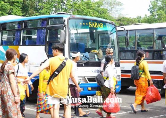 Nusabali.com - trayek-bus-akdp-bergeser-ke-lempuyang